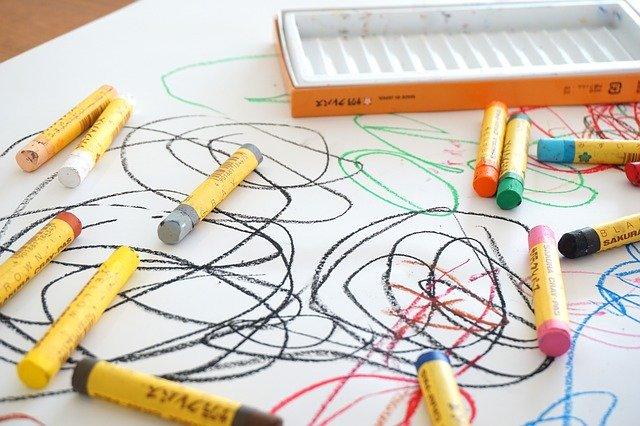 お絵かきは大人も子供も成長させる【絵を描く環境が脳と心に与える効果】