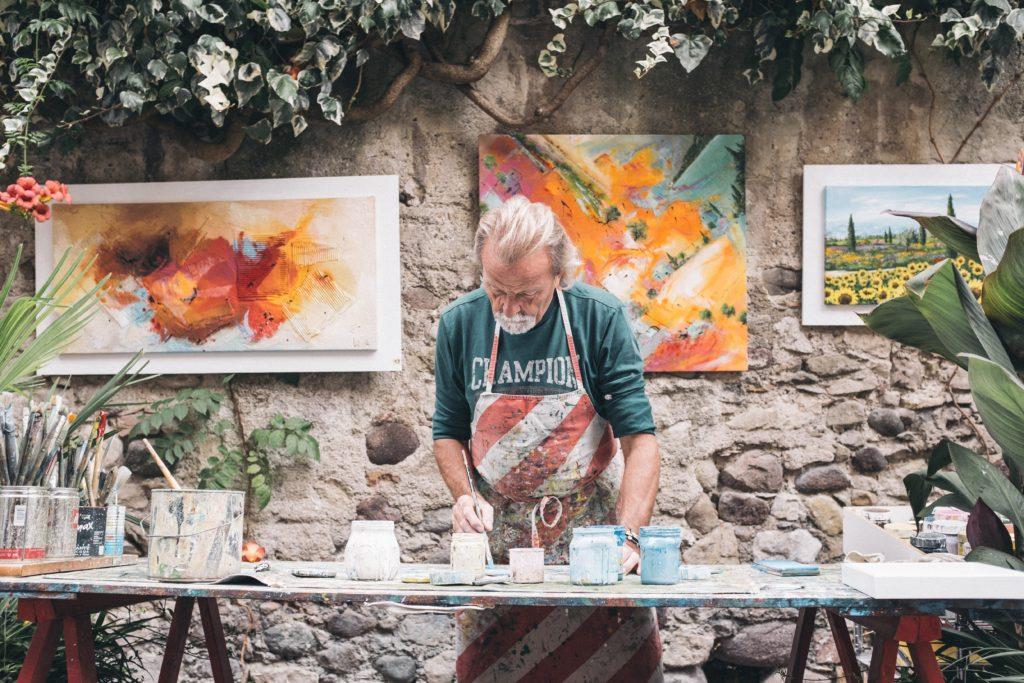 画家として収入を得ながら生活する5つの方法