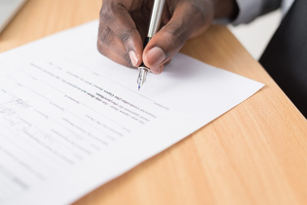 フリーランスで企業と契約を結ぶ時の注意点