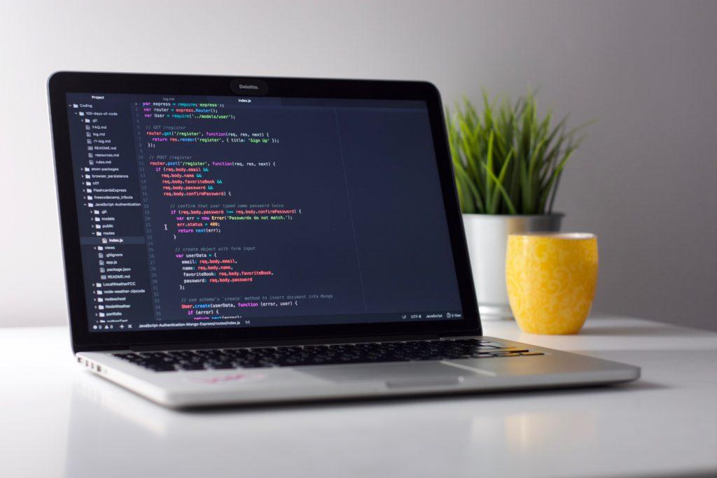 プログラミングスクールを選ぶ前の確認事項