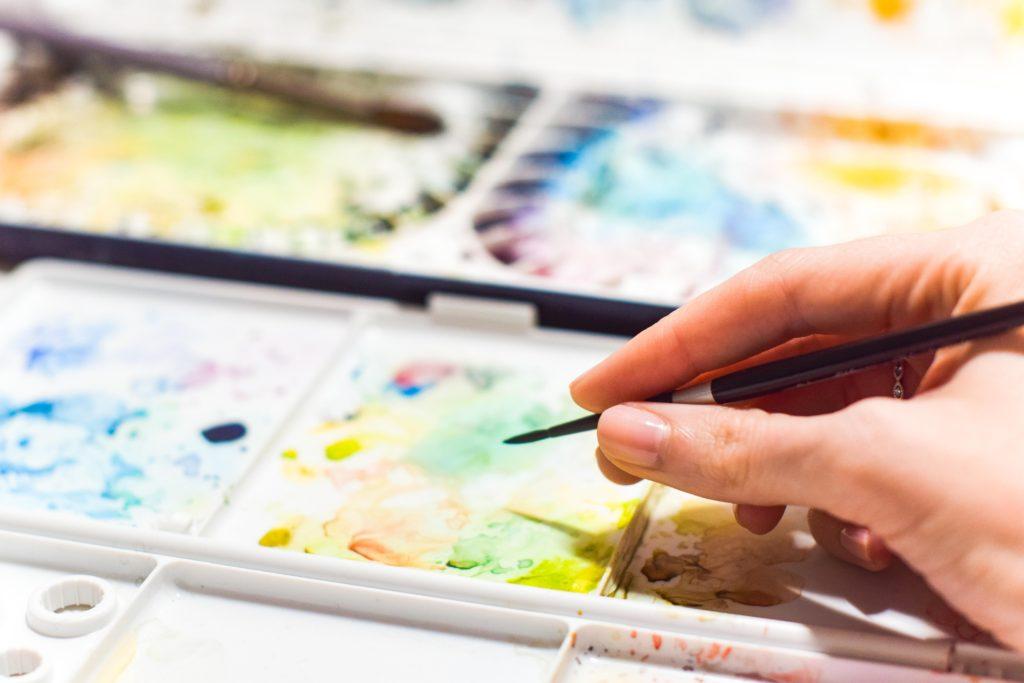 現代の画家が絵を売る為の戦略