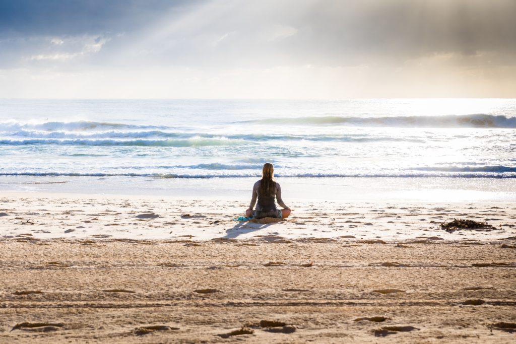 瞑想と仕事との関係性【瞑想を習慣化する具体的な効果】